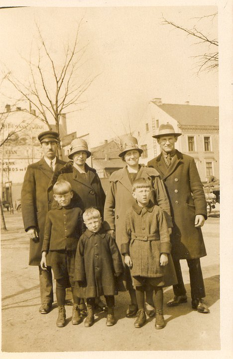 Jakob Thomsen-Dam, Marianne Nielsen, and other members of the Nielsen family just before coming to Canada in 1928.